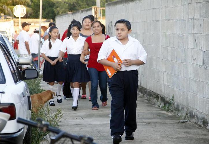 Más de 400 mil estudiantes regresan a clases este lunes en Yucatán, único estado del país con un calendario escolar diferente. (SIPSE)
