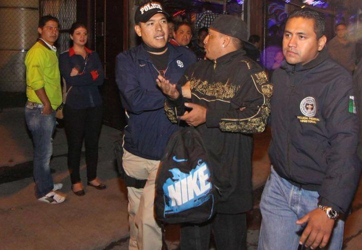 Cientos han sido detenidos por distribuir droga a pequeña escala. (Notimex)