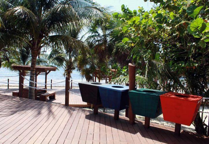Dotan de servicios las playas preservando la ecología y el medio ambiente. (Luis Soto/SIPSE)