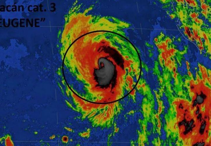 huracán se desplazaba con dirección al norte-noroeste, en sentido paralelo a las costas de México, a 19 kilómetros por hora. (López Dóriga Digital)