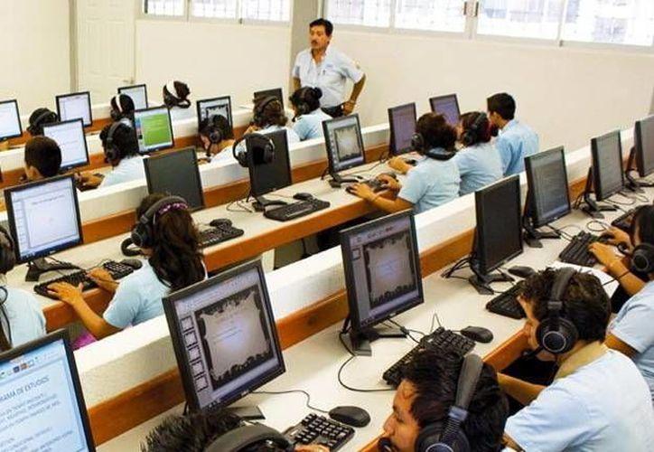 Unos 800 jóvenes de 16 municipios iniciaron su capacitación para entrar exitosamente al mundo laboral . (Archivo/SIPSE)