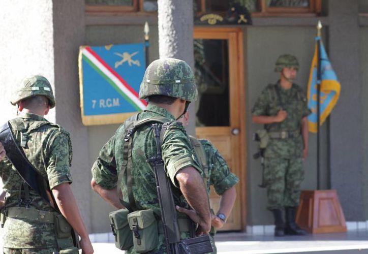 La reunión con los militares fue de cortesía, aseguro el alcalde de Bacalar. (Harold Alcocer/SIPSE)
