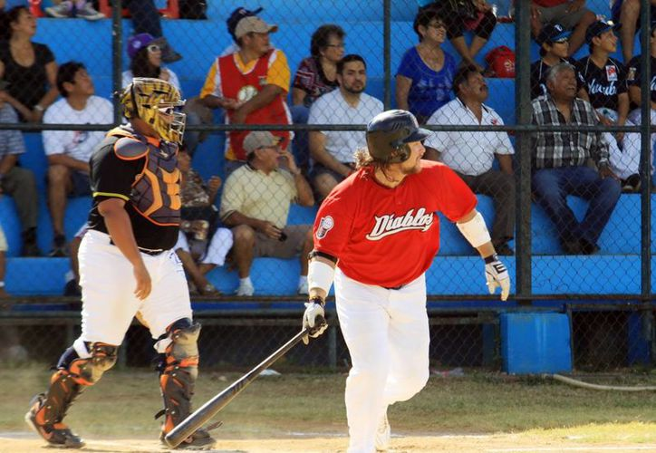 El jugador de béisbol Karim García dijo adiós a Mérida. En la imagen, el ahora exdiablo durante un partido en la Liga Meridana.