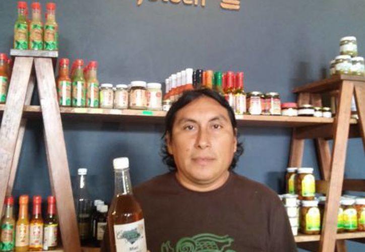 Oscar Chan Dzul, conocedor de los secretos de la herbolaria maya, estará este lunes en la Casa del Catorce, en el centro de Mérida. (SIPSE)