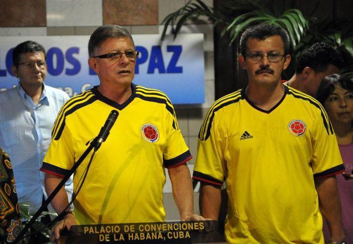 Ricardo Téllez, celebró la primera clasificación de Colombia en 16 años. (Foto: EFE)