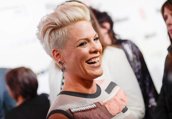 Pink fue honrada este martes como mujer del año por la revista Billboard. (Agencias)