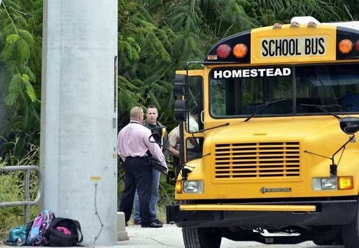 El asaltante obligó a los demás niños a bajar del vehículo. (Archivo/Agencias)