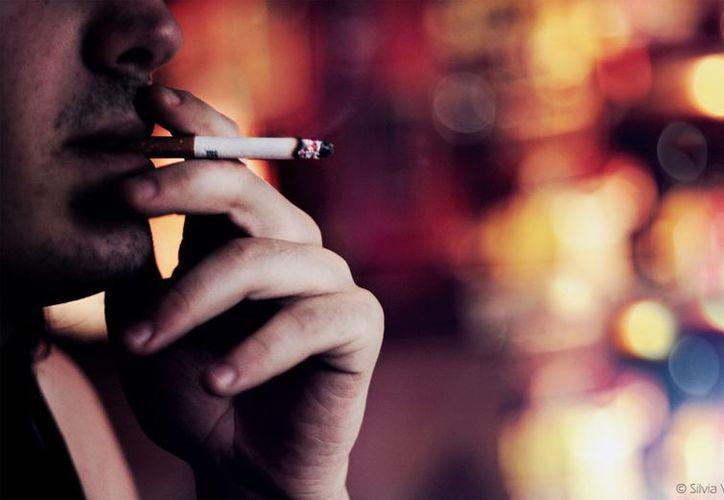 Según un catedrático de la UAEM, el aumento del hábito por el tabaco tiene su origen en las condiciones de vida de estrés y de angustia.(paquelia.es)