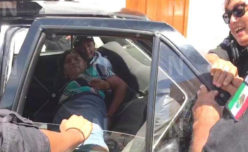 Juana Yam fue arrestada este miércoles a las afueras de la escuela en Motul. (Novedades Yucatán)
