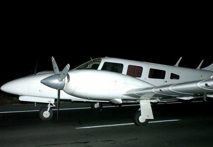 Autoridades consideran poco probable que el hombre que cayó al mar haya sobrevivido a la caída desde la avioneta. (EFE/Archivo)