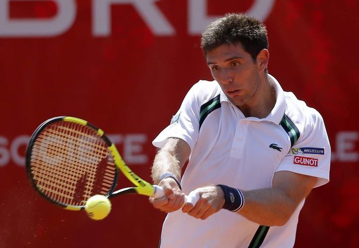 Federico Delbonis ganó en cuartos de final de Copa Davis al italiano Fabio Fognini y puso a Argentina entre los cuatro mejores. (AP)