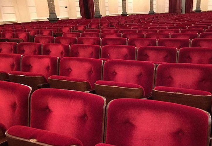 El conservador reino de Arabia Saudita, permitirá la apertura de salas de cine públicas por primera vez en más de 35 años. (RT)