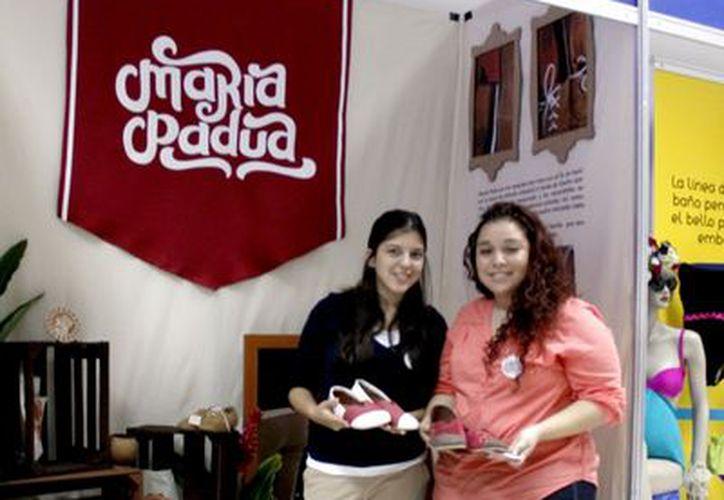 El stand de emprendedoras. (Juan Carlos Albornoz/SIPSE)