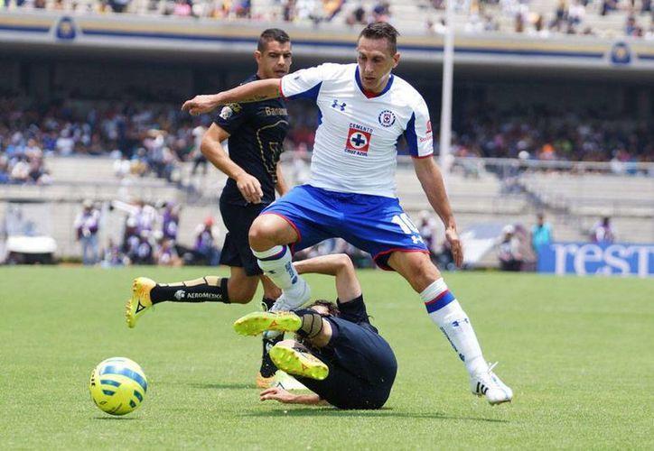 Los partidos de La Máquina celeste del Cruz Azul se transmitirán en exclusiva por Televisa, confirmó el director deportivo del club, Agustín Manzo. La imagen es sólo con fines ilustrativos. (NTX/Archivo)