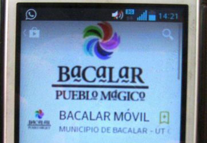 Play Store ya cuenta con la aplicación mediante la cual usuarios de telefonía móvil pueden conocer Bacalar, para que los interesados no tengan que llegar al destino y averiguar sobre los atractivos. (Harold Alcocer/SIPSE)