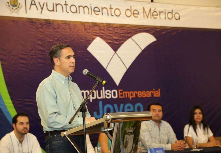 Nicolás Madáhuar Boehm, presidente de Coparmex y del Consejo Coordinador Empresarial, en la presentación de 'Impulso Empresarial Joven'. (SIPSE)