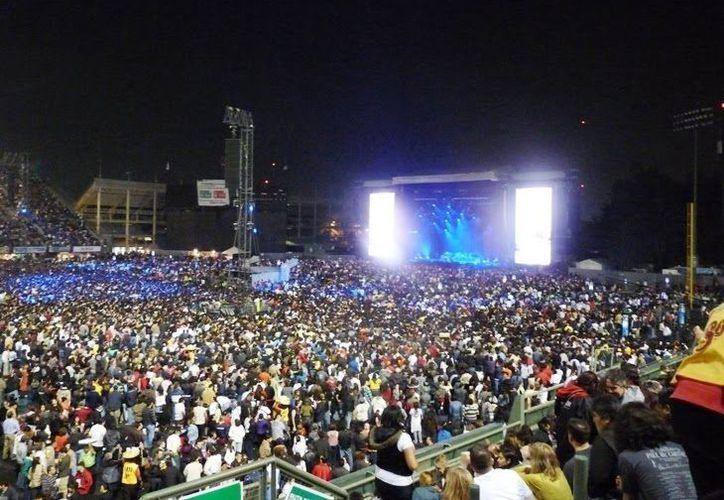 En el Foro Sol, muchos de sus espectáculos son para 50 mil personas. (blogspot.com)