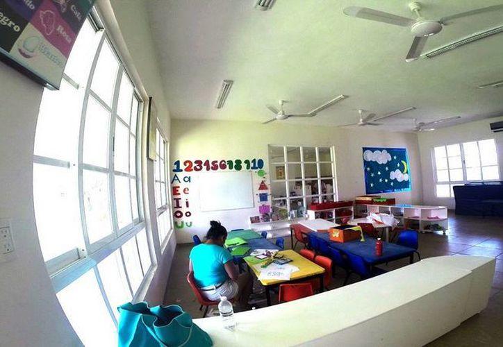 El personal del Centro Integral de Primera Infancia, participó  en un curso sobre prevención y manejo de huracanes. (Redacción/SIPSE)