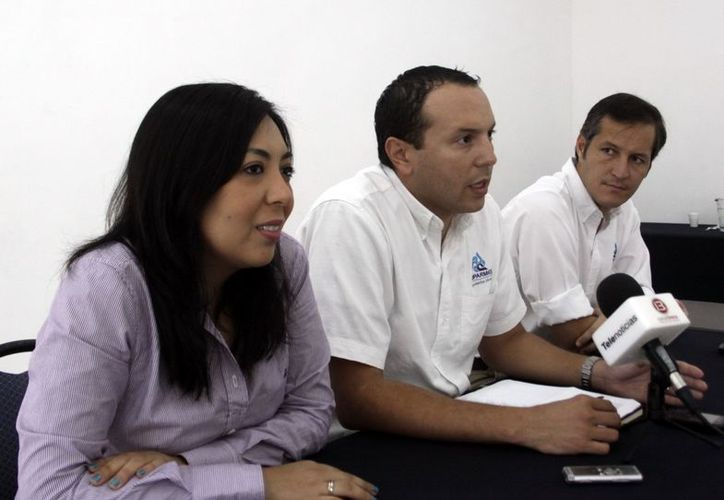 La comisión, en Mérida está integrada por Aleli Romero Yam, Julio Quesada Arceo y Eduardo Espinoza Corona. (Christian Ayala/SIPSE)