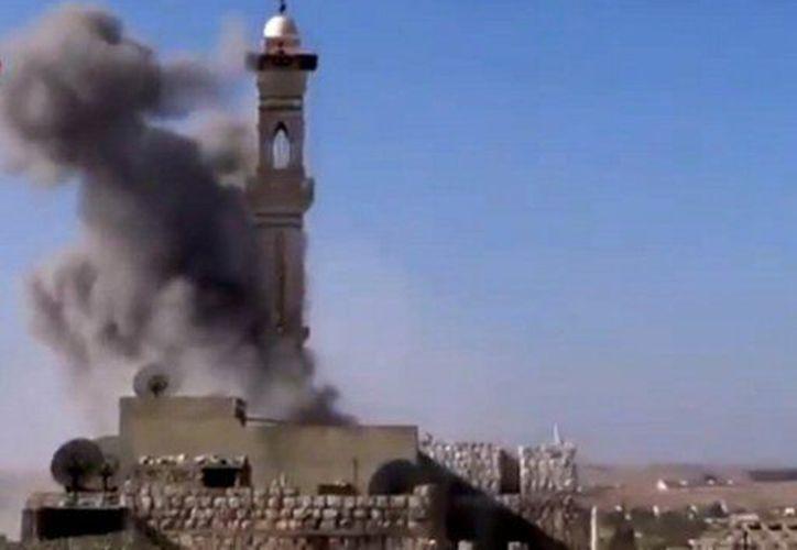 Un vuelo fue cancelado por combates que bloquearon el acceso al aeropuerto de Damasco. (Agencias)