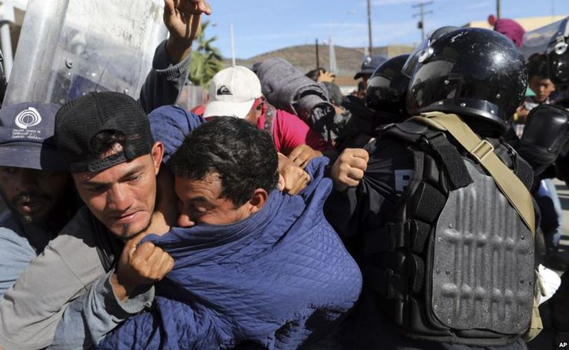 La frontera entre EE.UU. y México, que se extiende por 3.200 km (2.000 millas). (AP)