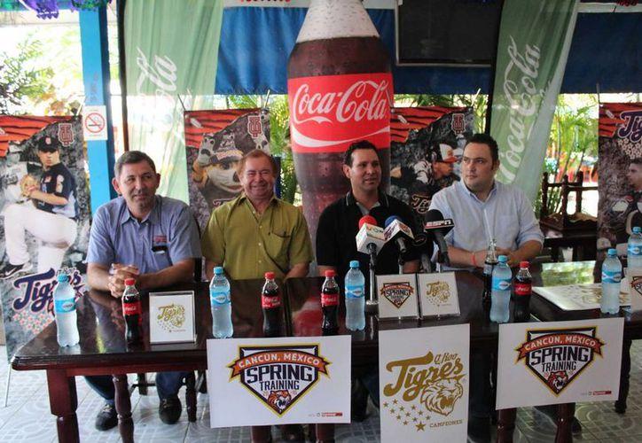 Los directivos de Tigres de Q. Roo durante una conferencia de prensa. (Ángel Mazariego/SIPSE)