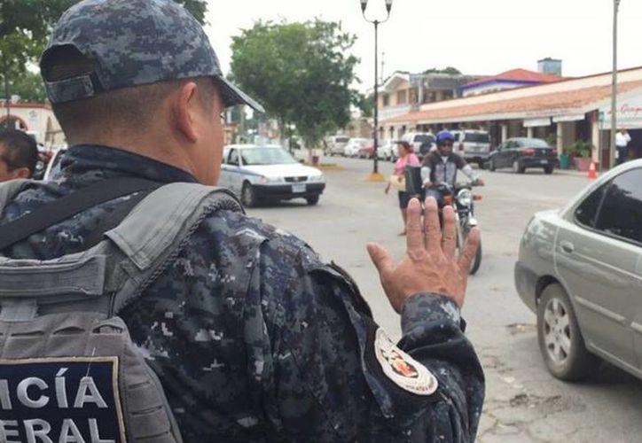 Elementos de la Gendarmería señalaron que estarán visitando la cabecera municipal de manera constante y sorpresiva. (Javier Ortiz/SIPSE)