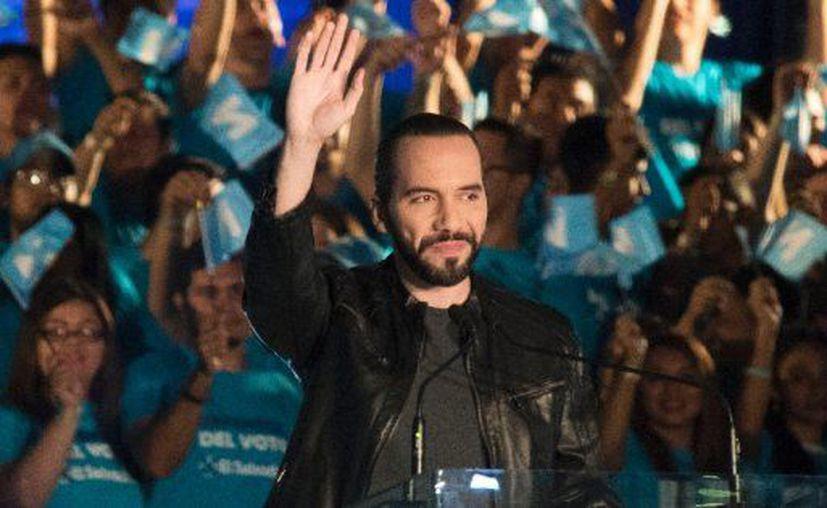 Nayib Bukele, de 37 años de edad, obtuvo la victoria con el 53.78% de los votos en El Salvador. (AFP)