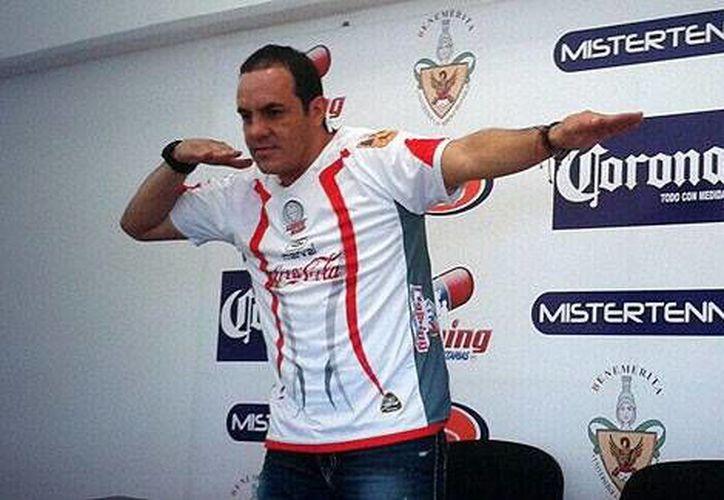 Dice Blanco (que en la foto aparece enfundado en la camisa de Lobos BUAP), que 'lo que más voy a extrañar del futbol, cuando me retire, es estar bromeando con mis compañeros'. (espndeportes.espn.go.com)