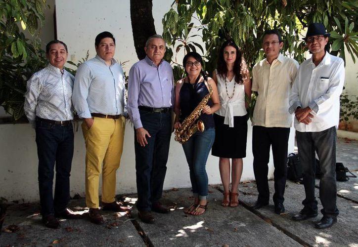 Con el programa Gold Jazz, a cargo del Ensamble de la Escuela Superior de Artes de Yucatán (ESAY), la institución festejará el próximo martes 7 de marzo, a las 20:00 horas, la edición número 50 del programa 'Nuevos Valores de la Música en Concierto'. En la imagen, algunos de los participantes. (Jorge Acosta/SIPSE)