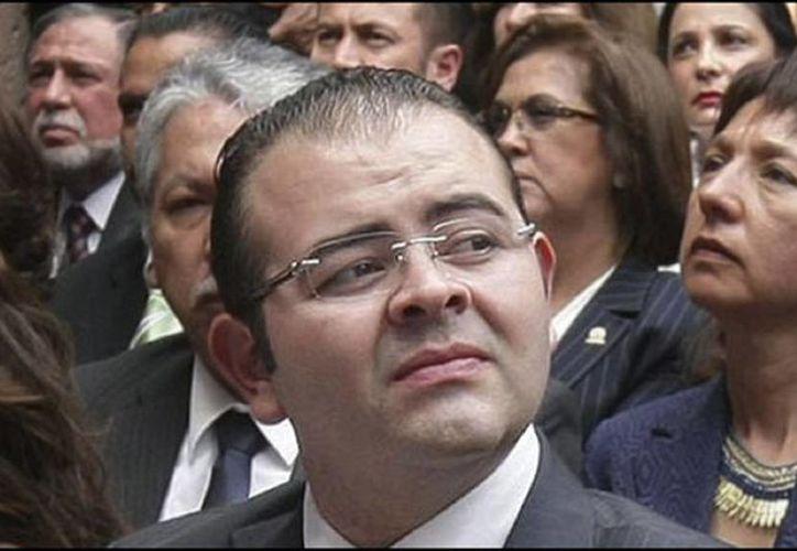 Los funcionarios de la PGR aclararon que contra Rodrigo Vallejo no existe alguna orden de aprehensión, su situación se determinará tras rendir declaración en la Seido. (Foto tomada de siempre889.com)
