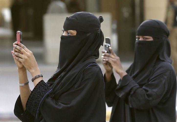 Una mujer saudí podría pasar una temporada en la cárcel por descubrir la infidelidad de su esposo. (britainfirst.org)