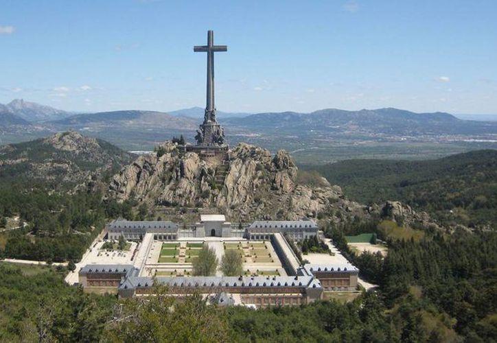 El Valle de los Caídos resguarda a más de 33 mil personas que murieron en los dos bandos que se enfrentaron durante la Guerra Civil española. (www.republica.com)