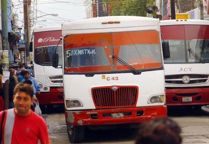 Debido al precio del combustible se ha vuelto difícil ofrecer el servicio a los usuarios de Mérida. (Milenio Novedades)
