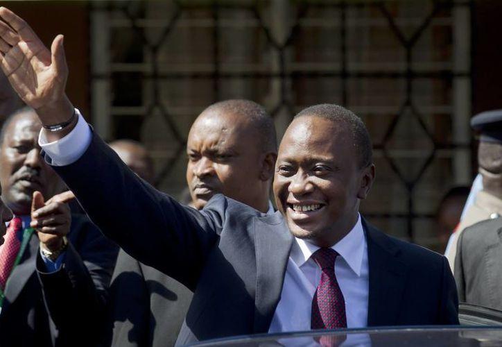 Uhuru Kenyatta podría pasar gran parte de sus primeros años como presidente en un tribunal en La Haya. (Agencias)