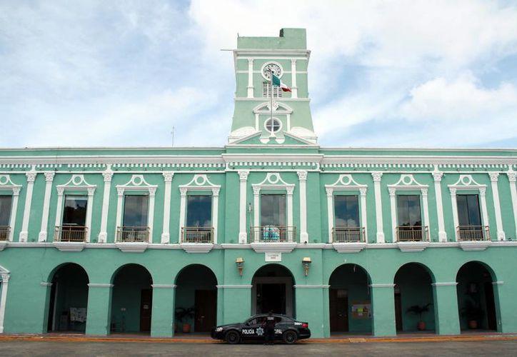 El sector empresarial del puerto más importante de Yucatán 'arremete' contra el actual Ayuntamiento, que encabeza José Cortés Góngora. (Jorge Acosta/Milenio Novedades)