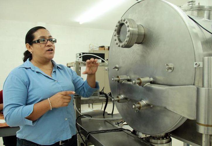 Imagen de la doctora Aracely Ríos Flores, quien ecientemente fue distinguida por la Academia Mexicana de Ciencias. (Jorge Acosta/SIPSE)