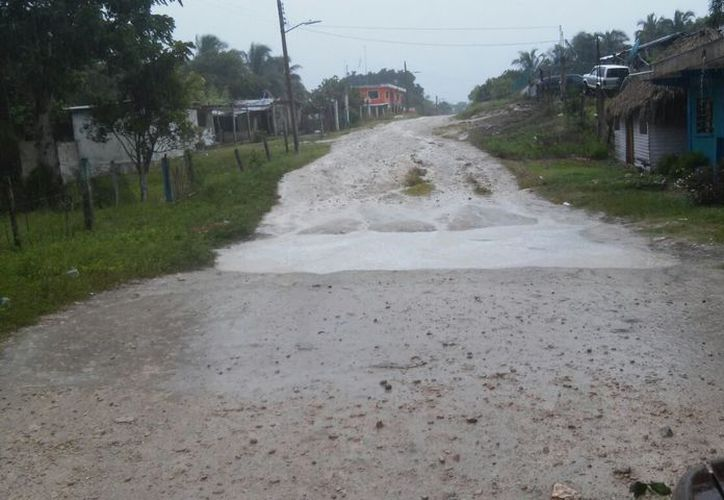 En comunidades ubicadas en los límites con los estados de Yucatán y Campeche, se registraron inundaciones. (Joel Zamora/SIPSE)