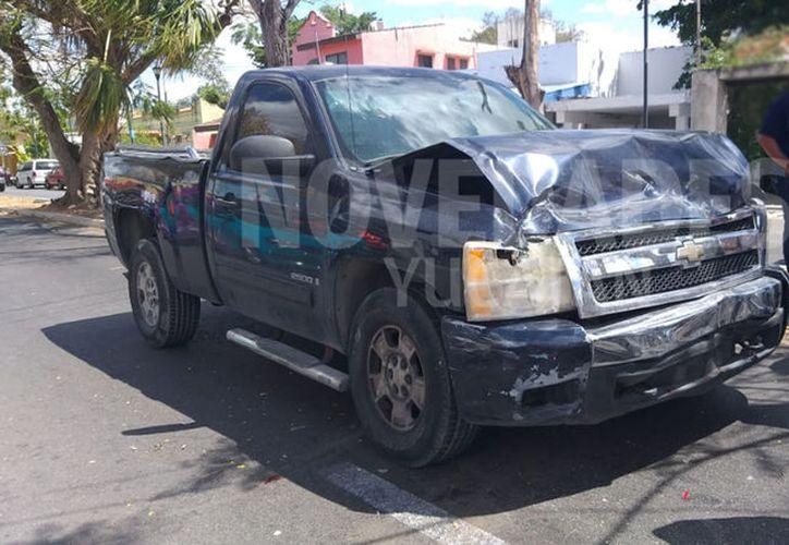 Camioneta que provocó el accidente. (Novedades Yucatán)