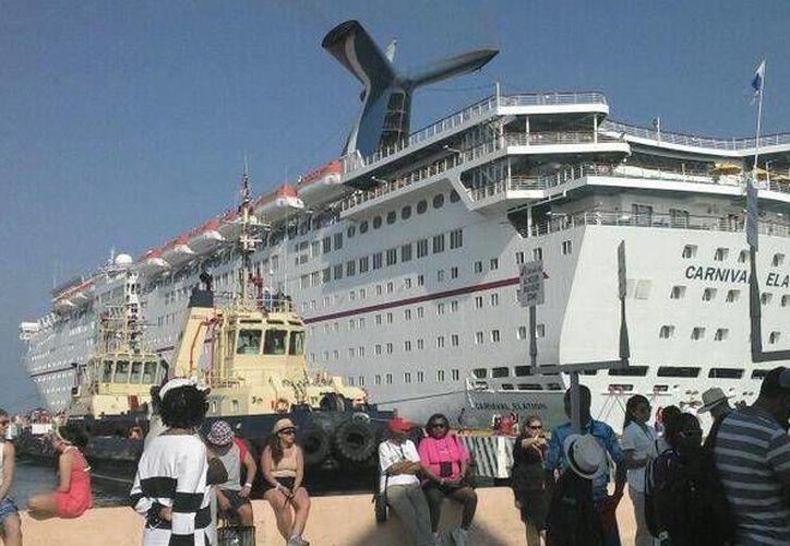 El Carnival Elation llegó este martes a Yucatán. (SIPSE)