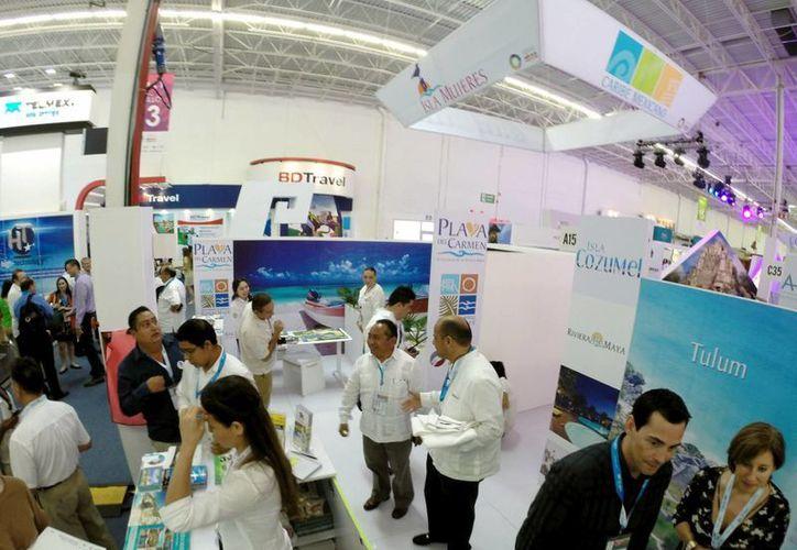 El presidente de la comisión de turismo en el Cabildo, Cesar Trejo Vázquez, destacó la participación de la ínsula durante el Tianguis Turístico.  (Redacción/SIPSE)