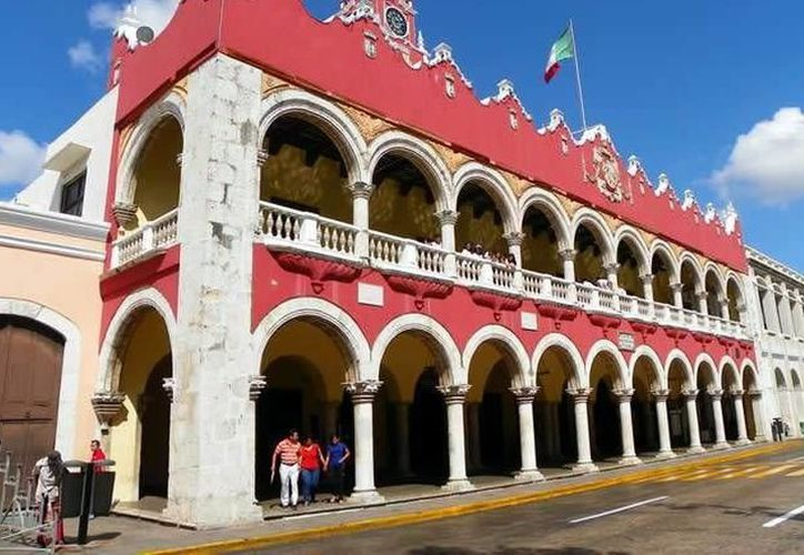 La presidenta municipal informó que gracias a los ahorros presupuestales, Mérida amplió el monto de créditos Micromer hasta por 100 mil pesos. (SIPSE)