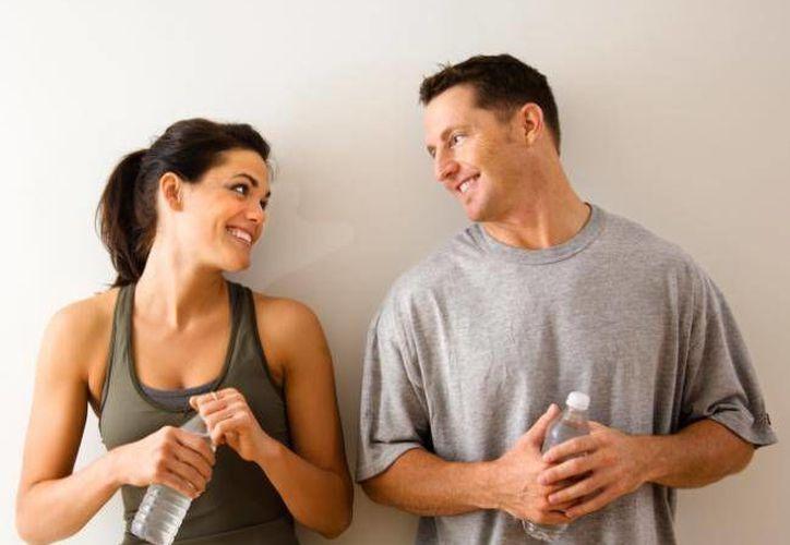 Las diferencias anatómicas y fisiológicas entre los cerebros de las mujeres y los hombres hacen que ellas sean más empáticas, emocionales y tengan mejor oído. (imujer.com)