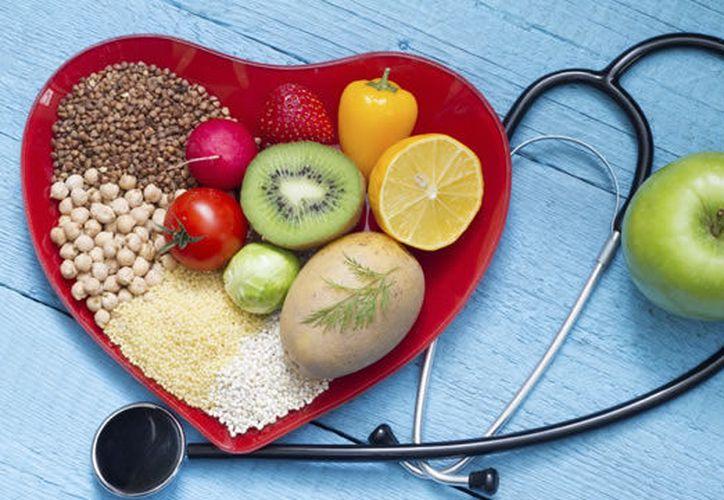 Expertos recomiendan una vida saludable y activa para evitar el cáncer. (Internet)