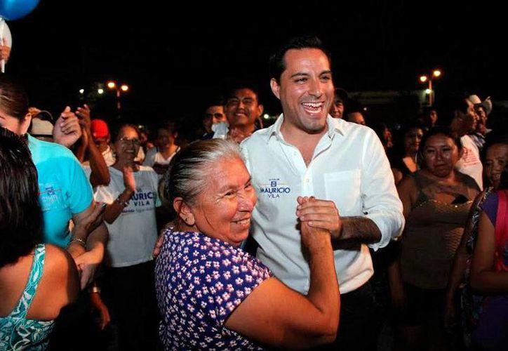 Mauricio Vila prometió 'dar más información' de la que los ciudadanos esperan de los candidatos. (Milenio Novedades)