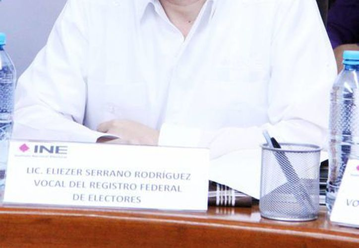 El vocal del Registro Federal de Electores, Eleazer Serrano Rodríguez, informó que el 9 de febrero iniciará la investigación para verificar el domicilio y datos de unos 16 mil ciudadanos . (Milenio Novedades)