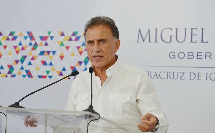 Miguel Ángel Yunes reiteró que cumplirá su compromiso de acabar con la corrupción en Veracruz. (facebook.com/MiguelAYunesLinares)
