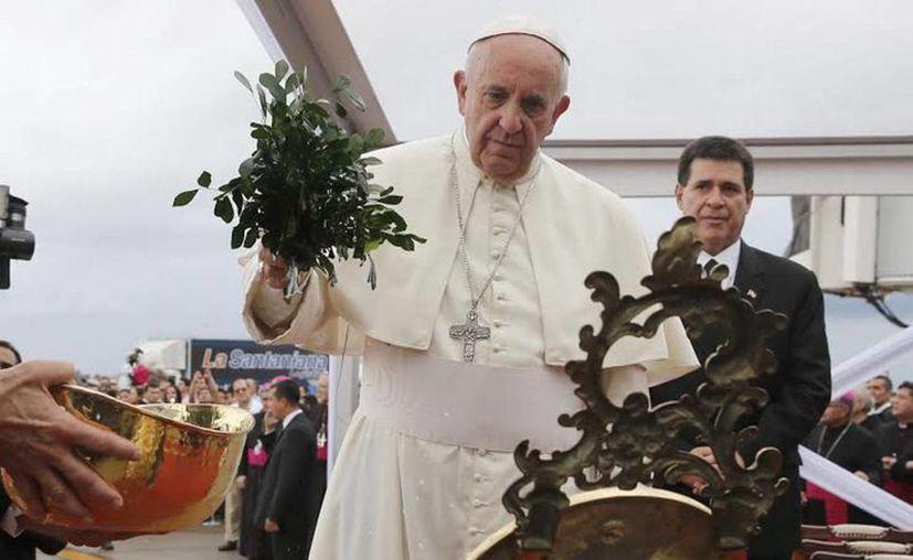 El ayuntamiento de Morelia pagó con dinero público publicidad para promover la visita del Papa Francisco, que estará en México del 12 al 17 de febrero. (Archivo/Notimex).