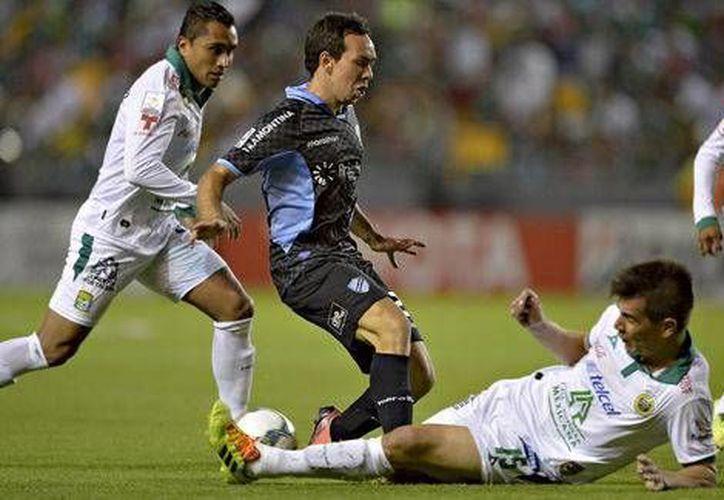 El club León desperdició varias opciones claras de gol y después recibió uno que marcó la diferencia. (Milenio)