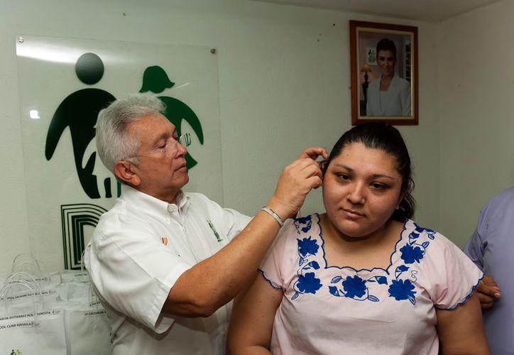 En esta ocasión, recibieron auxiliares auditivos personas de entre 21 y 86 años de edad. (Milenio Novedades)